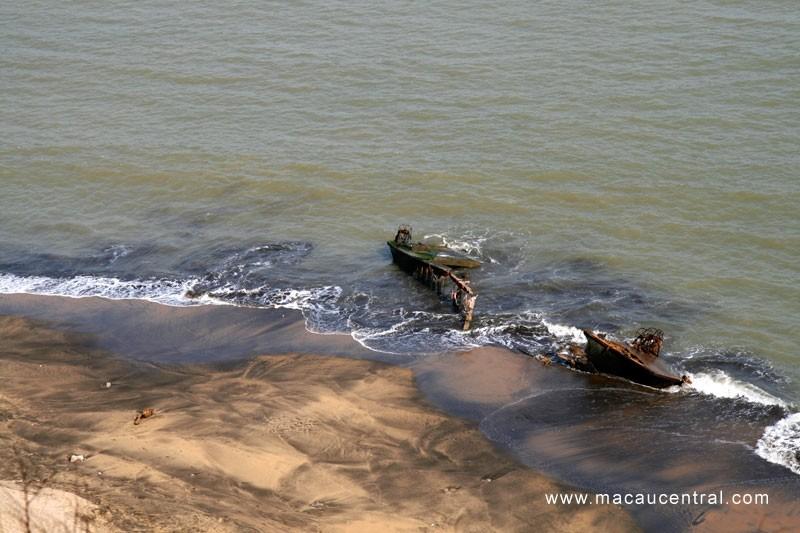 黑沙踏浪 - 黑沙海灘 Hac Sa Bench